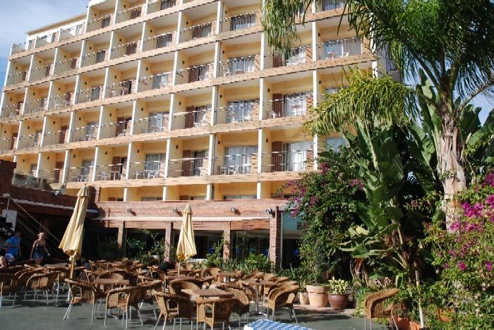 hotel ancla lloret mar: