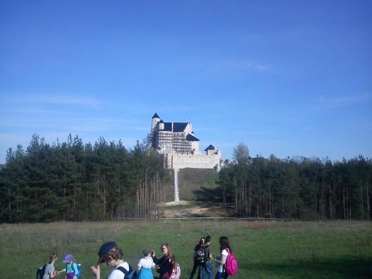 Zamek Bobolice - spacer ostańcem skalnym z Mirowa do Bobolic